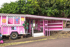 El quiosco rosado en Maui Fotos de archivo