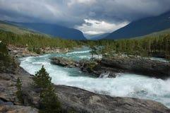 El río áspero en Noruega Imagen de archivo libre de regalías