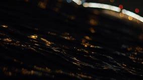 El río agita en la ciudad de la noche St Petersburg almacen de metraje de vídeo