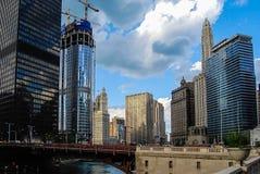 El río Chicago imagenes de archivo