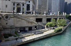 El río Chicago Riverwalk foto de archivo