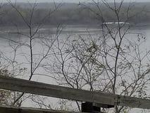 El río corre lento foto de archivo libre de regalías