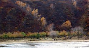 El río corre a través del prado de Ulan Buh Fotografía de archivo libre de regalías
