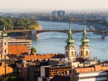 El río Danubio y tejados de la Budapest, Hungría Foto de archivo libre de regalías