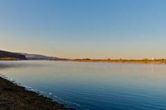 El río de Ergun en la última mañana del otoño Foto de archivo