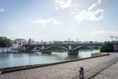 El río de Guadalquivir en Sevilla, España, Europa foto de archivo
