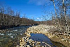 El río de la montaña Imagenes de archivo