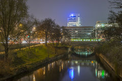 El río de Leine en Hannover en la tarde Fotografía de archivo