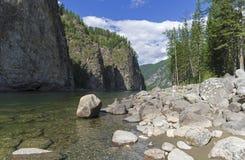 El río de Oka Sayanskaya Siberia, Rusia Imagenes de archivo