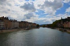 El río de RhÃ'ne en Lyon Fotos de archivo
