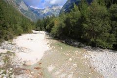 El río de Soca en Eslovenia Imágenes de archivo libres de regalías