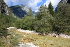 El río de Soca en Eslovenia Fotografía de archivo