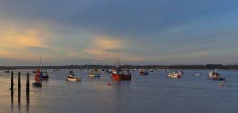 el río Deben en el transbordador de Felixstowe en el crepúsculo Foto de archivo