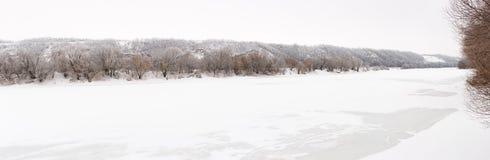 El río Don se cubre con hielo Imagen de archivo