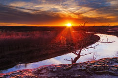 El río Osage en el Ozarks en la puesta del sol foto de archivo