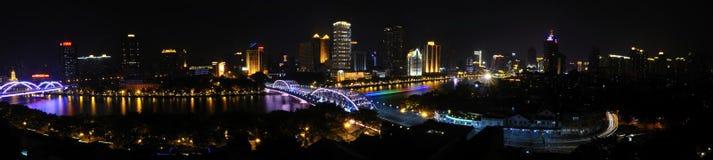 El río Pearl, puente de Haizhu panorámico (imagen grande) Imagen de archivo libre de regalías