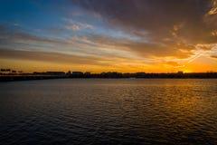 El río Potomac en la puesta del sol, en Washington, DC Imagenes de archivo
