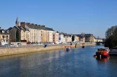 El río Sarthe en Le Mans en Francia Imagenes de archivo