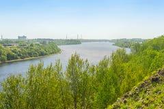 El río Volkhov cerca del pueblo Semenkovo, Rusia Imagen de archivo libre de regalías