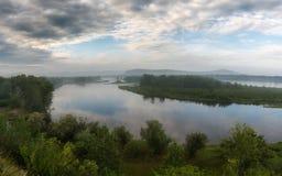El río Yeniséi, mañana Imagen de archivo libre de regalías