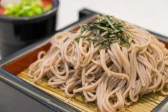 El ramen de Soba es tallarines del alforfón, comida del estilo japonés Fotos de archivo