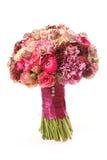 El ramo de la boda con el Astrantia, Skimma, brassica, arbusto color de rosa, corrió Imágenes de archivo libres de regalías