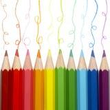 El rastrear colorido de los lápices foto de archivo