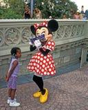 El ratón de Minnie firma la dedicatoria Imágenes de archivo libres de regalías