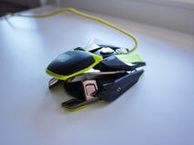 El ratón del ordenador para los videojugadores, puede ser utilizado en juegos y en un de computadora personal detalles imagen de archivo