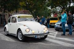 El reaprovisionamiento pasado - vehículos que se encuentran, Pezinok, Eslovaquia del veterano Imagen de archivo