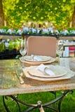 El receptor de papel adornó el restaurante del aire abierto Imagen de archivo