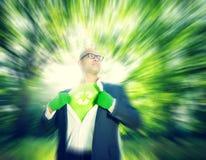 El reciclaje conservador reduce al hombre de negocios Concept del ambiente Foto de archivo