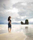 El recorrer de la playa Fotos de archivo libres de regalías