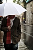 El recorrer en la lluvia Fotos de archivo