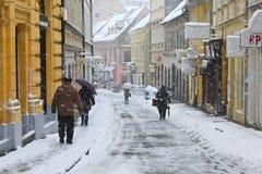 El recorrer en la nieve Imágenes de archivo libres de regalías