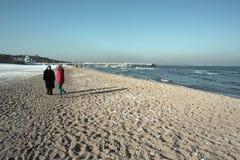 El recorrer en la playa. Fotos de archivo libres de regalías