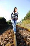El recorrer en una pista ferroviaria Imagen de archivo libre de regalías