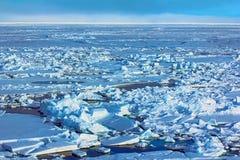 El reefing del hielo, hummocking Toross en el Polo Norte Imagen de archivo libre de regalías