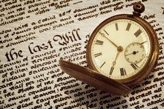 El reloj de bolsillo viejo y  Imagen de archivo libre de regalías