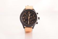 El reloj de cuero marrón de los hombres Foto de archivo libre de regalías