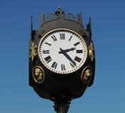 El reloj de la ciudad Imagenes de archivo