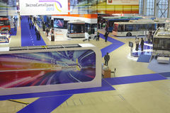 El reloj de la gente modela en el segundo congreso y exposición eurasiáticos ExpoCityTrans-2012 Fotos de archivo
