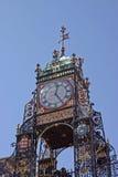 El reloj en Chester fotos de archivo