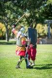 El renacimiento Knights la lucha de la espada imagen de archivo libre de regalías