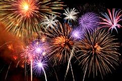 El repartir de los fuegos artificiales Imagen de archivo libre de regalías