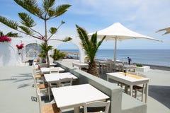 El restaurante al aire libre cerca de la playa Fotografía de archivo