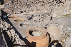 El restaurante antiguo en Pompeya Imagenes de archivo