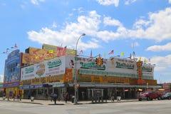 El restaurante original en Coney Island, Nueva York de Nathan s Imagen de archivo libre de regalías