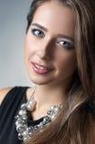 El retrato de la belleza de la muchacha Imagen de archivo libre de regalías
