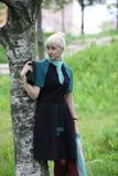 El retrato de la muchacha rubia sonriente Fotos de archivo libres de regalías